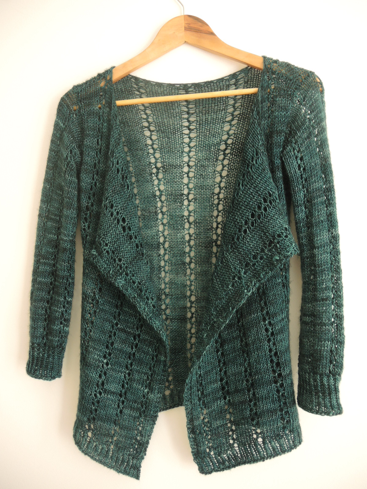 Easy Cardigan Knitting Pattern : littletheorem: Pattern Gallery