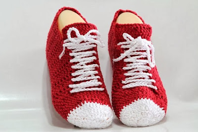 https://www.etsy.com/listing/172662136/red-crocheted-sneaker-slippers-pattern?ref=favs_view_2