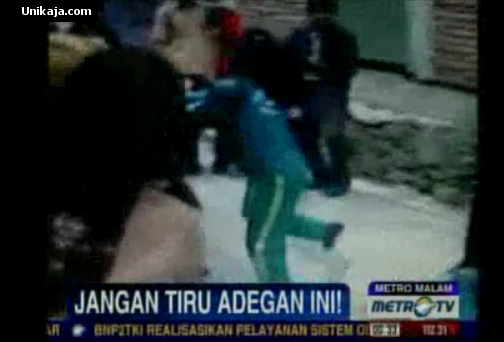Video Adu Jotos Siswi SMK 3 Pare-pare