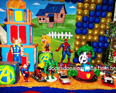 Festa Vingadores - Bolos e doces decorados