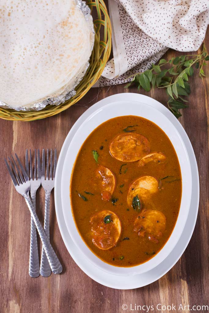 Kerala style Varutharacha Mutta Curry
