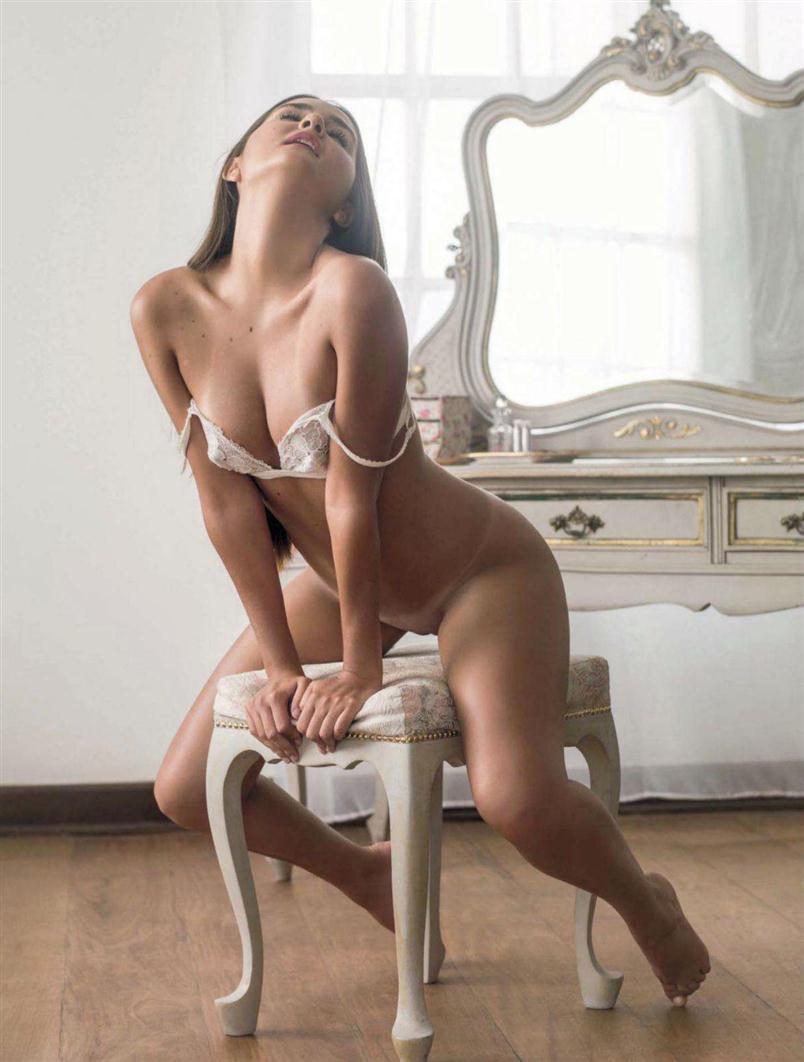 Postado Em Flagras Fotos Playboy Virgem Leilao