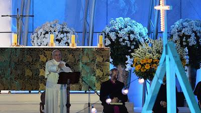"""#JMJRio2013: Na Vigília com os jovens, Papa Francisco diz """"Vamos jogar no time de Jesus!"""""""
