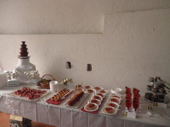 Mariana's Bakery: Mesa de Postres para el Bautizo de Daniel