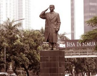 Sejarah Patung Jenderal Sudirman - Jakarta [ www.Bacaan.ME ]