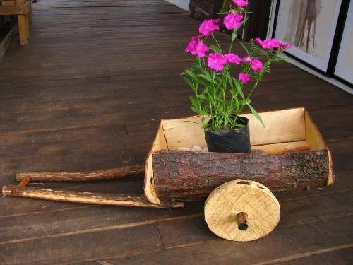 Tocando mis sue os carreta de flores diy for Carreta de madera para jardin