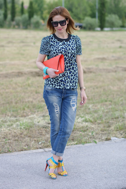 Maison Scotch mixed prints blouse, Icone sandals, boyfriend jeans, Fashion and Cookies