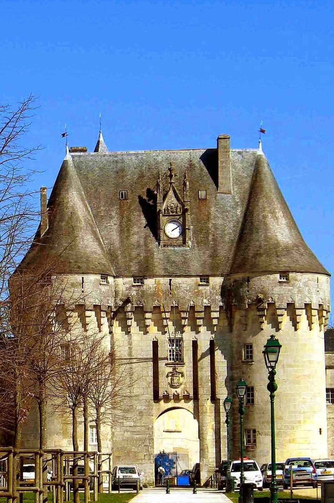 Castelo de Jonzac, Poitou-Charentes, França.
