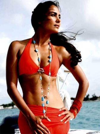 Hot Lara Dutta Wall Papers 10