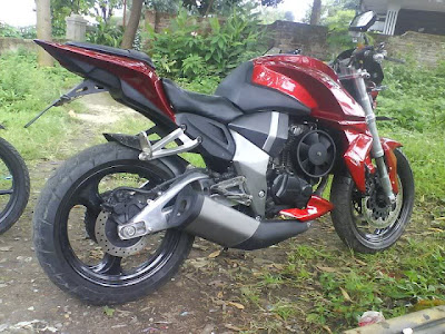 Modifikasi Honda Tiger MErah