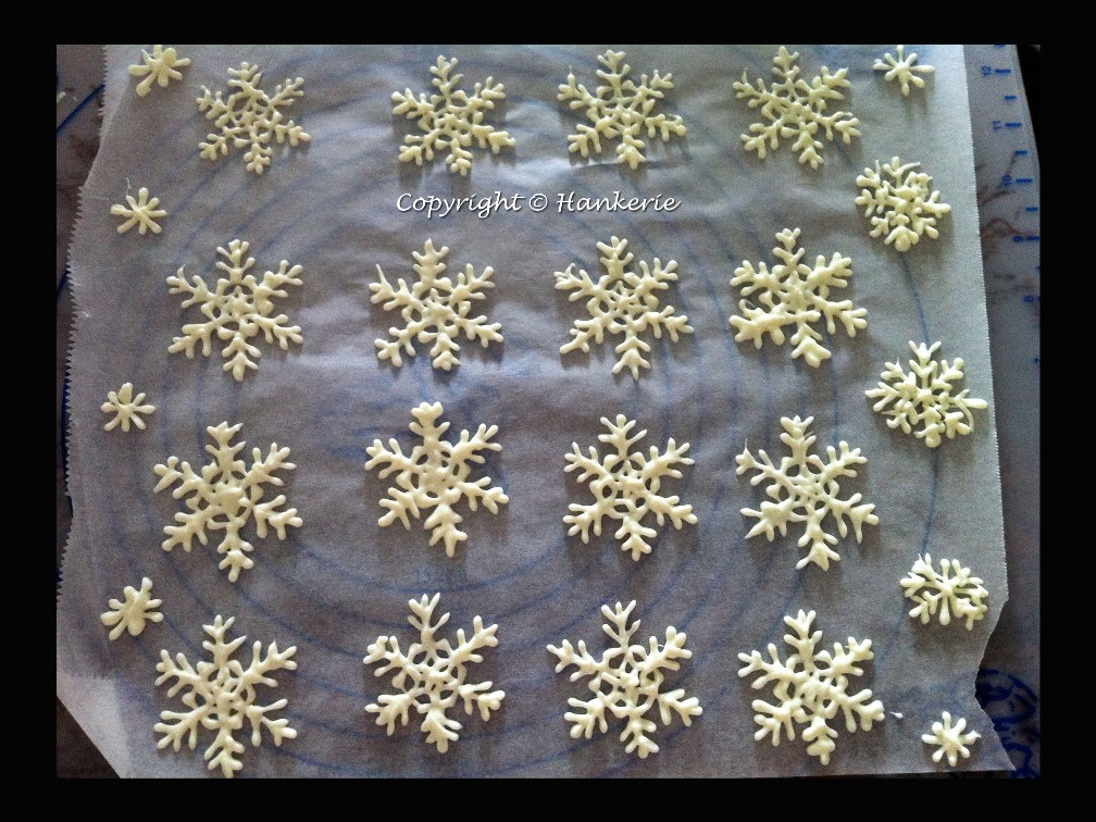 handpipe snowflakes for christmas hankerie