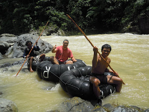 Rafting on the return from jungle trek