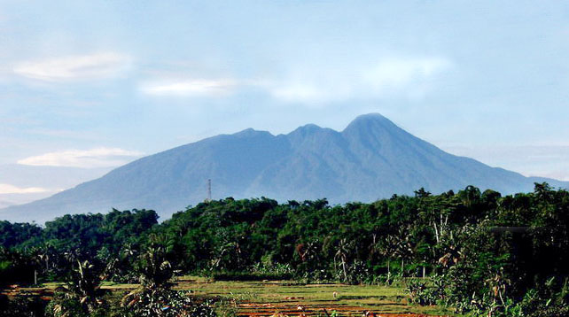 Misteri Gunung Salak, gunung salak, lokasi jatuhnya sukhoi superjet 100