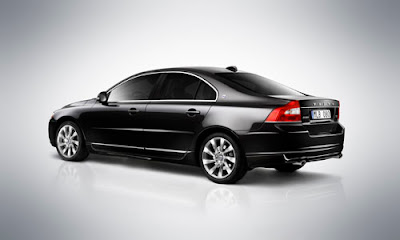 Volvo S80 V8 AWD Wallpaper