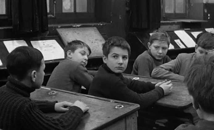the 400 blows an expression of a cinematic revitalization The 400 blows (1959) 'the 400 blows' is essentially about juvenile and adolescent delinquency that is often driven by societal and parental neglect not only did this film put the nascent french new wave on a firm footing but also projected françois truffaut as the brand new face of contemporary cinema.