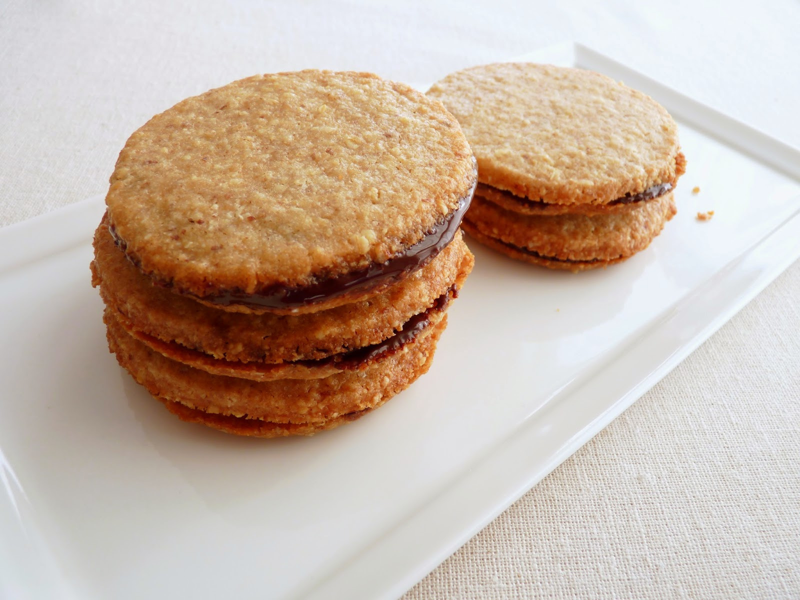 Good food recipes » Chocolate sandwich cookie cake recipe
