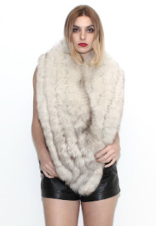 Vintage light colored long fox fur stole.