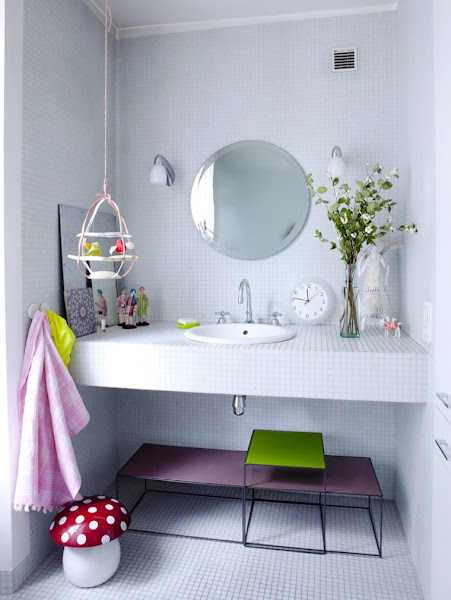 Decorar Un Baño Sencillo:ILUMINA EL BAÑO CON COLOR Decoración / General AYUDAADECORAR