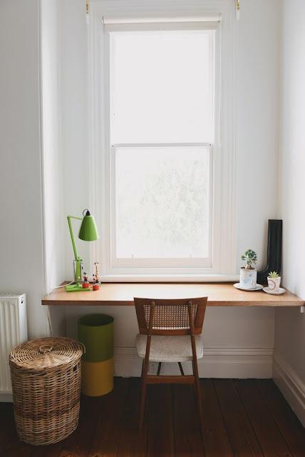 la fabrique d co un coin bureau la fen tre id es d. Black Bedroom Furniture Sets. Home Design Ideas