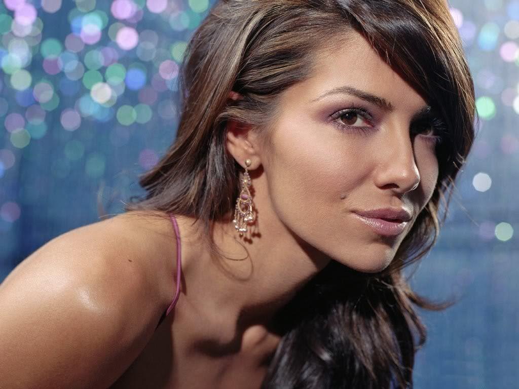 http://4.bp.blogspot.com/-qJETBvW2eHA/TzN2cBhnkCI/AAAAAAAAB64/W002B7bSzMo/s1600/female-celebrity-pictures10.jpg