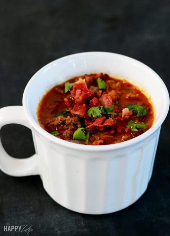 Smoky and Spicy Bacon Paleo Chili │ thehappytulip.com