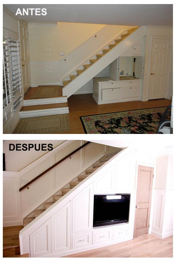 me encanta la forma de aprovechar el hueco de esta escalera para poner una biblioteca