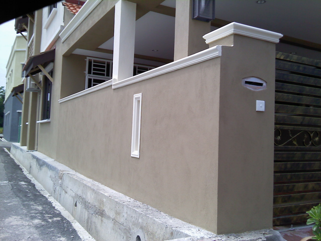 Kitchen car porch extension fencing wall with cornice dailygadgetfo Choice Image