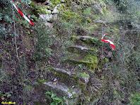 Les escales de pedra al peu de la Cova del Carme. Autor: Carlos Albacete