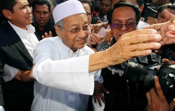 Polis Buka Tiga Kertas Siasatan Terhadap Tun Mahathir
