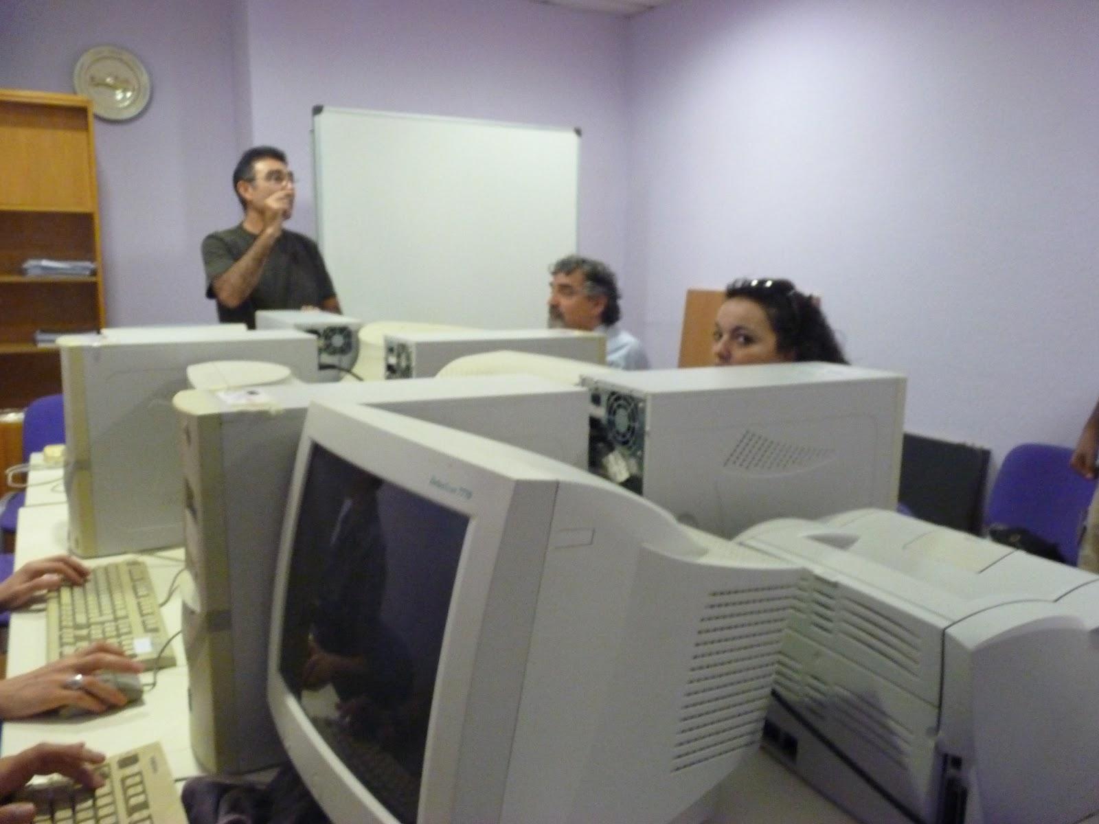 Sapame la oficina de software libre de la ugr nos dona for Material oficina granada