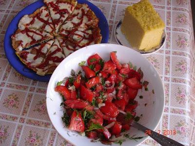 omleta CLOMPI si salata de rosii