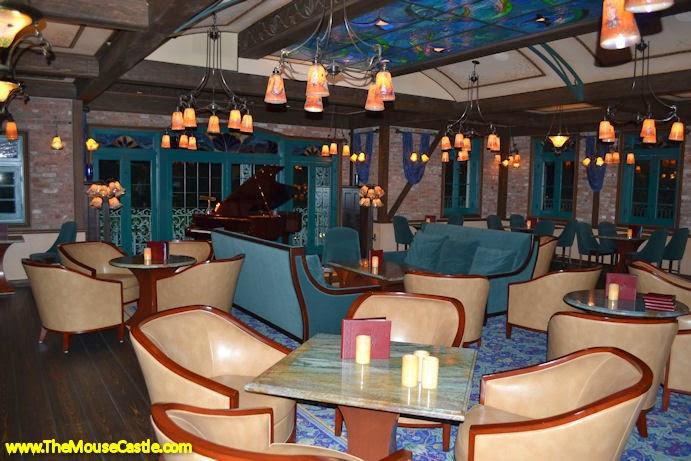 Le Salon Nouveau at Club 33
