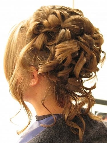 hairstyles for long hair for prom 2011. prom hairdos for long hair
