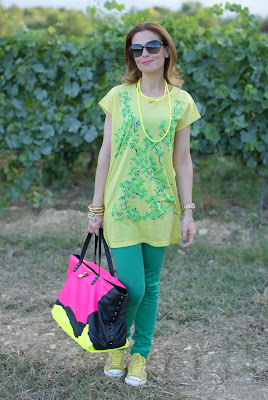 Green and yellow outfit, Marc Jacobs tote