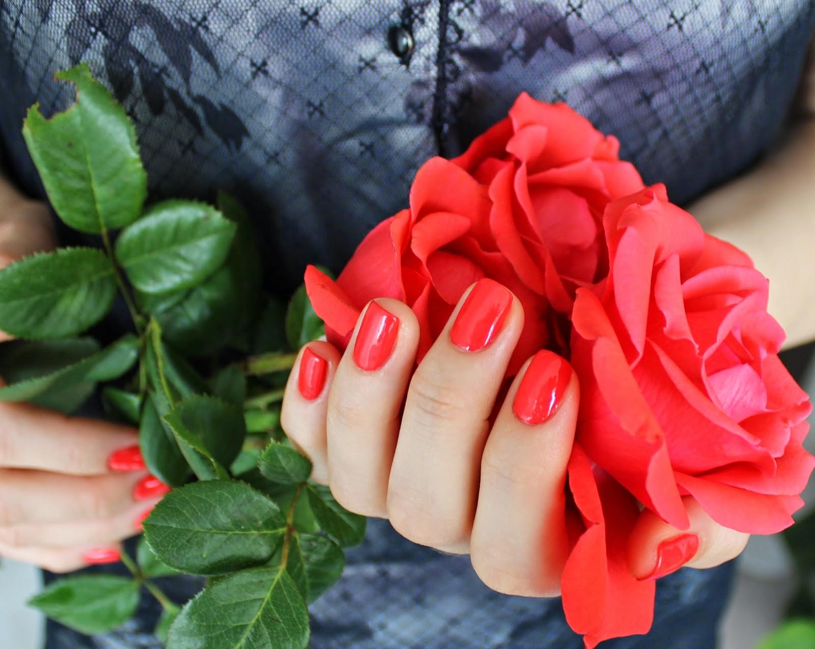 Revlon Nail Enamel One perfect coral 990