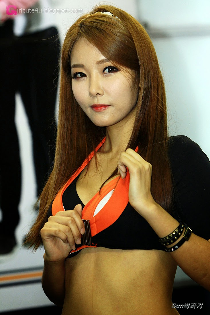 5 Lee Da Hee - Automotive Week 2014 - very cute asian girl-girlcute4u.blogspot.com