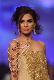 FASHION-PAKISTAN-MIFRAH