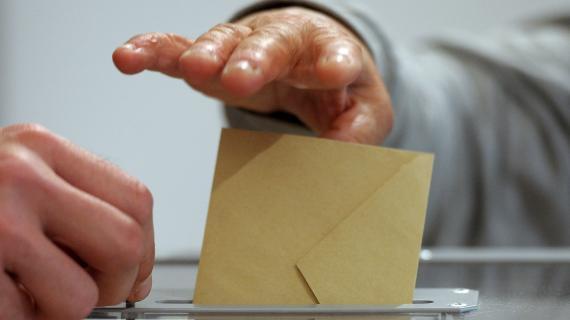 Une octogénaire a juste le temps de voter avant de mourir