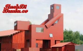apakah bangunan ini terlihat Mesum