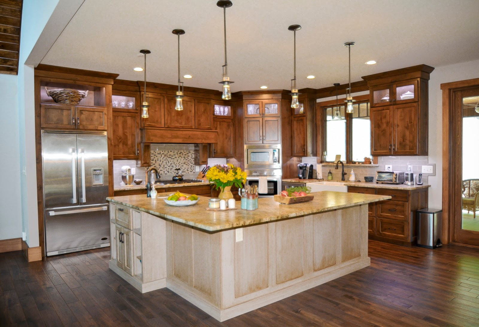 Kitchen design trends for 2016 for Latest home kitchen designs