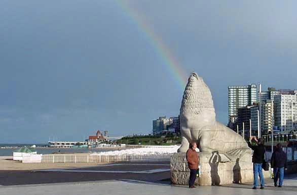 Escultura de Lobo Marino en el Mar de Plata, Argentina