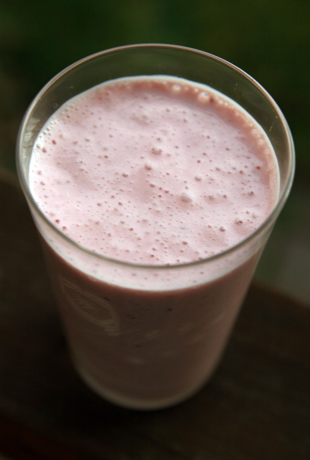 Raspberry Rosewater Ginger Smoothie Recipe | mostly foodstuffs