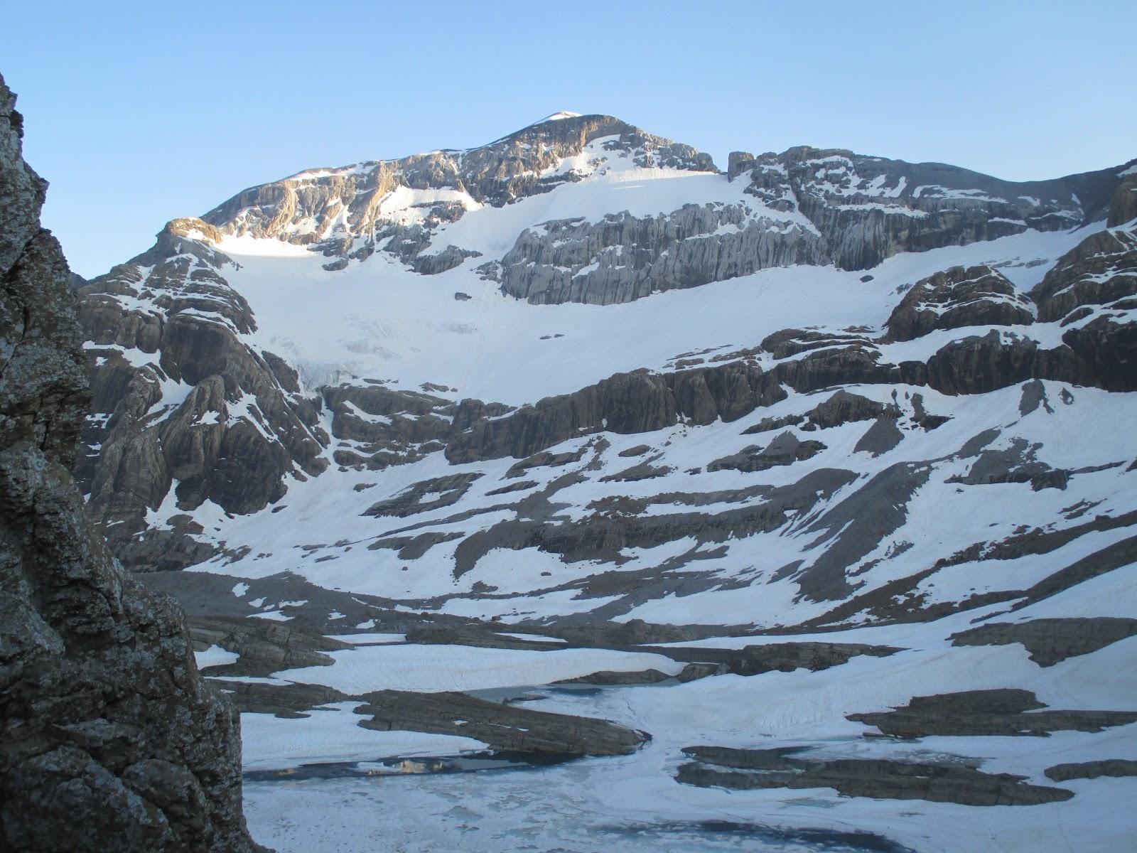 Pirineos:Monte Perdido: Cara Norte (700m,AD) - Martín Elorza