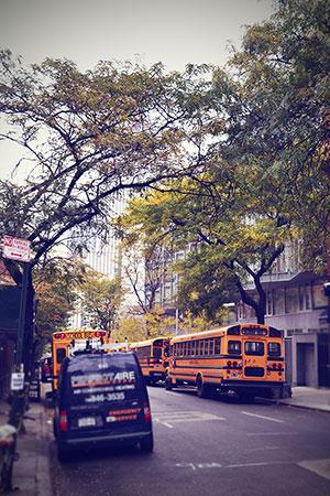 New York Schulbusse Straße Oktober 2013