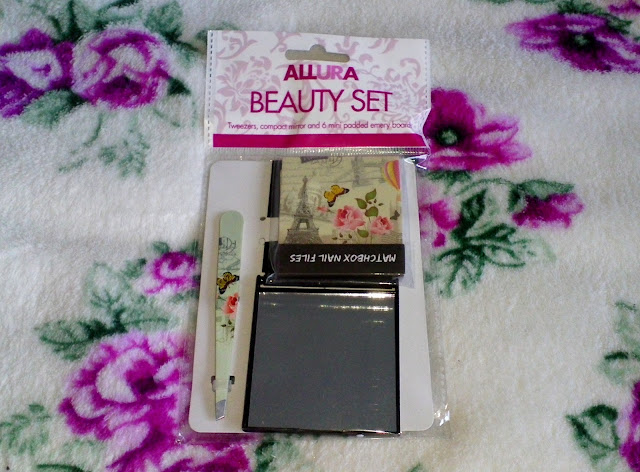 Allura Beauty Set (Mirror Compact, Mini Nail Files & Tweezers) £1.00 Poundland