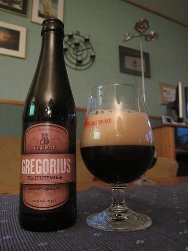 gregorius-tasting.jpg