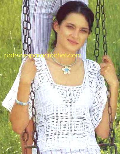 blusa de mangas cortas con diseño de cuadros en crochet filet