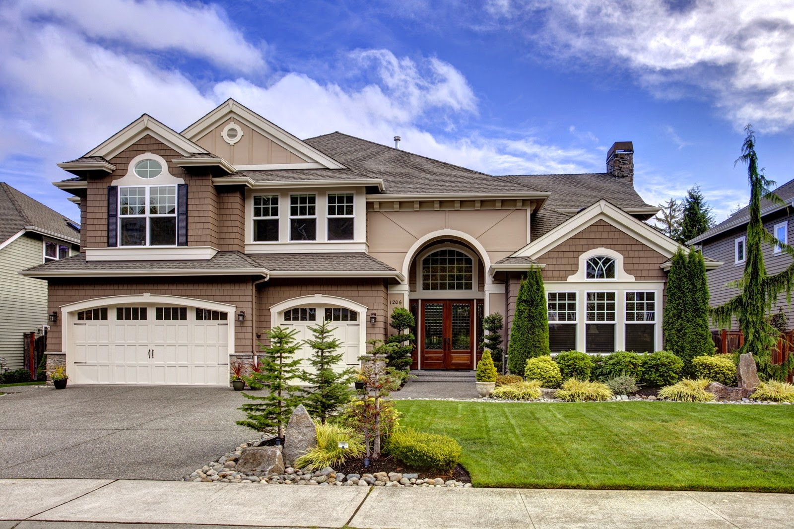 Daily real estate buzz low down payments make a comback for Luxury home exteriors