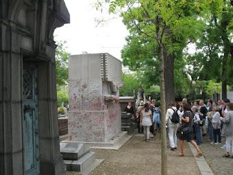Oscar Wilde's gravestone