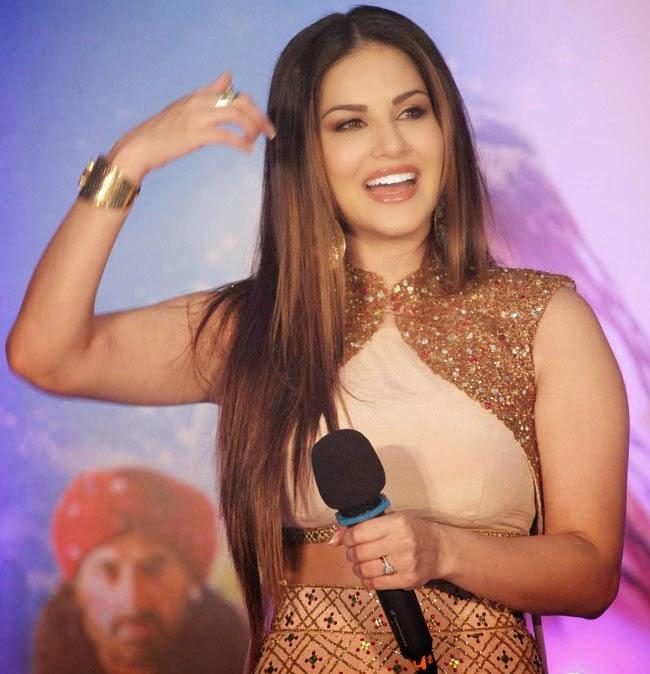 Sunny Leone Stills At Ek Paheli Leela Movie Promote